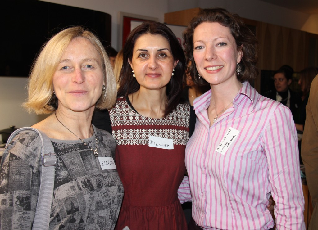 Malulu's Director, Louise Edwards (right) at the March 2014 SA Ladies Networking event by Darling Magazine.